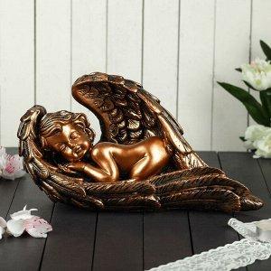 """Статуэтка """"Ангел в крыле"""" 17 см, бронзовый цвет"""