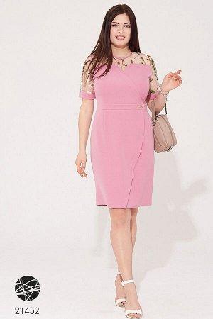 Платье-футляр с сетчатой вставкой и вышивкой