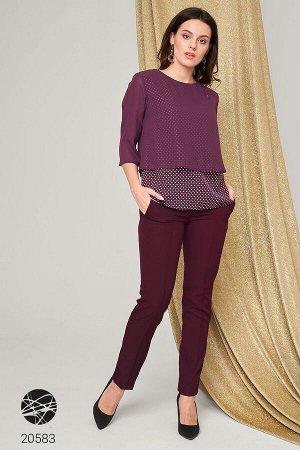Костюм: блузка и брюки