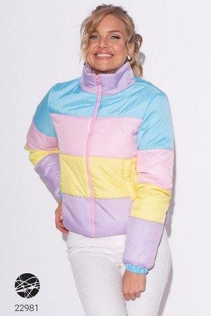 Дутая куртка в разноцветную полоску