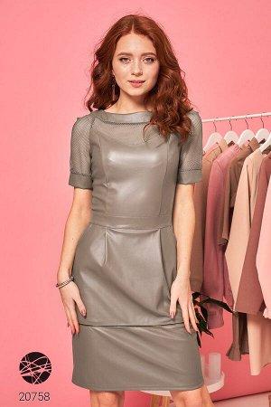 Платье-футляр с экокожи