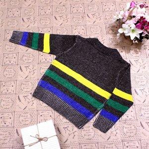 Рост 122-130. Стильная детская кофта Treifoll цвета хаки с белыми переходами.