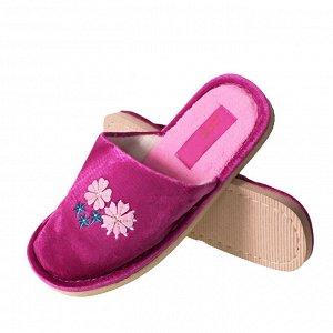 Модель маломерит, смотрите описание. Размер 36. ??Домашние женские тапочки Sparkle с вышивкой и стразами ярко-розового цвета.