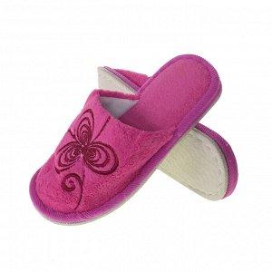 Модель маломерит, смотрите описание. Размер 36-37. ??Стильные  женские тапочки Needlework с вышивкой ярко-розового цвета.