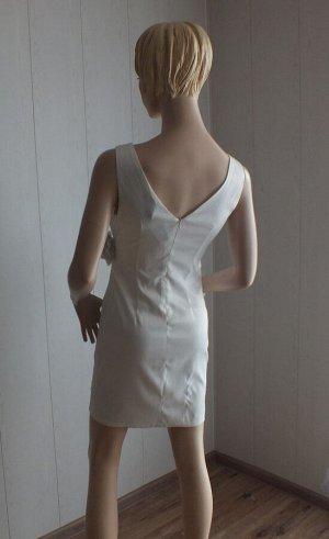Платье Цвет белый ОГ 82см, длина 85см