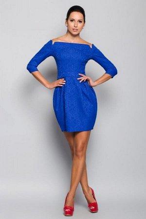 Платье Состав ткани: жаккард, без пояса Длина изделия по спинке : 44р- 80см; 48р- 82см Длина рукава: 44р- 38см, 48р- 39,5см. Имеет небольшой складской запах, при стирке уходит