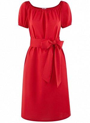 Платье с поясом и открытыми плечами                   Красный