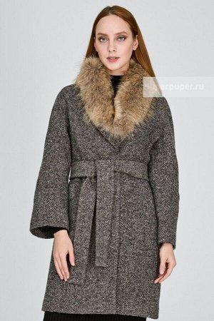 Женское пальто текстильное с текстильным поясом с отделкой мехом енота