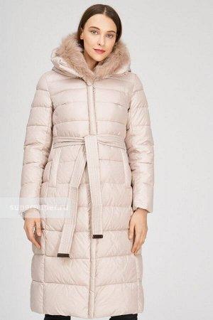 Женское текстильное пальто на искусственном пуху с текстильным поясом и отделкой трикотажем и мехом песца и трикотажный шарф