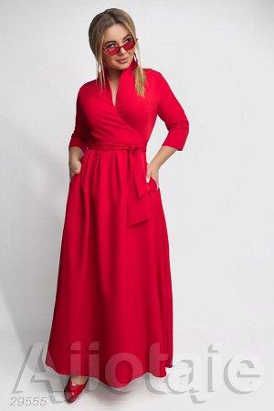 Платье в пол с запахом красного цвета