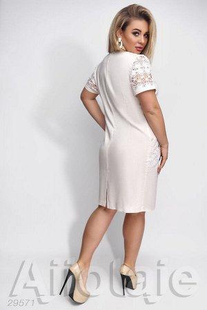 Льняное платье молочного цвета с макраме