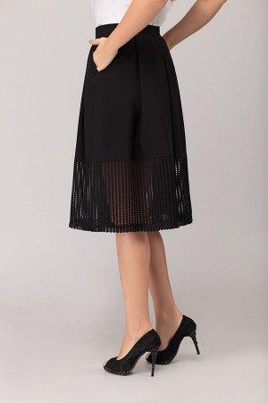 Юбка миди Полиэстер 96% спандекс 4% Рост: 164 см. Юбка женская, на притачном поясе, с крупными складками, наклонными боковыми карманами, с застёжкой на потайную тесьму молнию в боковом шве, с притачно