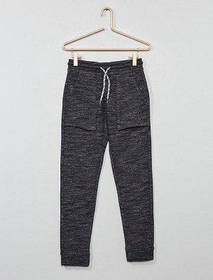 Спортивные брюки с широкими карманами