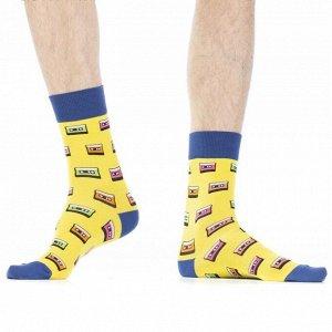 """Носки Хлопковые мужские носки с контрастным дизайном резинки, мыска и пятки. Вся модель декорирована ярким рисунком """"кассеты"""".  Состав: Хлопок 80%, Полиамид 18%, Эластан 2%"""