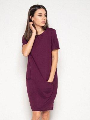 Бордовое трикотажное платье с короткими рукавами