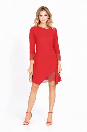 Платье Платье Pirs 563 красное Состав ткани: Вискоза-20%; ПЭ-80%; Элегантное мини-платье с фигурным низом и отделкой из кружева. Детали: прилегающий силуэт, отрезная линия талии, перед с отрезными боч