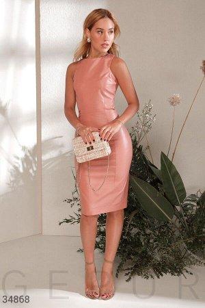 Эффектное кожаное платье-футляр