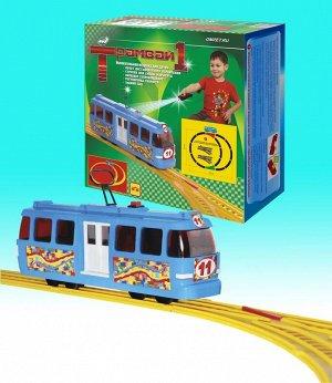 Трамвай-1 Набор включает в себя трамвайный вагон с двигателем, пульт дистанционного управления, комплект рельс для построения трамвайного пути. Трамвай с открывающимися дверями позволяет перевозить па