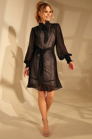 Платье Платье Golden Valley 4670 №1  Состав ткани: ПЭ-100%;  Рост: 170 см.  Платье с отрезным воротником- стойкой, рюшей по верхнему срезу стойки. Стойка с втачным бантом- завязкой. По верхней части