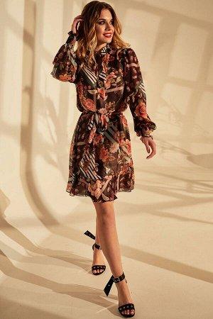 Платье Платье Golden Valley 4670 №2  Состав ткани: ПЭ-100%;  Рост: 170 см.  Платье с отрезным воротником- стойкой, рюшей по верхнему срезу стойки. Стойка с втачным бантом- завязкой. По верхней части