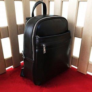 Стильный рюкзак-трансформер Megapolis формата А4 из натуральной кожи черного цвета.