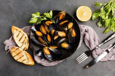 Рыбка сушеная, копченая, соленая!  — Мидии в ракушках — Свежие и замороженные