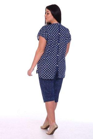 Костюм Женский трикотажный костюм-двойка: блуза и бриджи. Блуза с О-образным вырезом горловины. Спинка с декоративной планкой с 5 пуговицами, имитирующая застёжку. В нижней части планки спинки шлица.