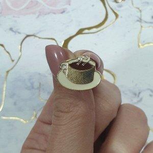Брошь. Брошь-гвоздик в виде кружки с кофе, материал металл под золото.