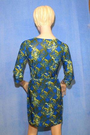 Платье Материал холодок, пояс в комплекте. ОГ 86см, ОТ 80см, ОБ 90см, длина 86см. Имеет небольшой складской запах, при стирке уходит
