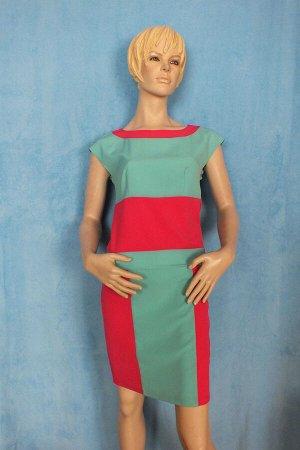 Платье Идет на размер 40-42. Длина 92 см, ОГ 84 см, ОТ 82 см, ОБ 88 см.  Имеет небольшой складской запах, при стирке уходит