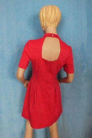 Платье 48: Рукава 24 см, Длина 86 см, ОГ 92 см, ОТ 76 см. 50: Рукава 25 см, Длина 87 см, ОГ 98 см, ОТ 84 см. Имеет небольшой складской запах, при стирке уходит