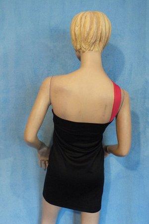 Платье Длина 81 см, ОГ 74 см, ОТ 72 см, ОБ 84 см.  Имеет небольшой складской запах, при стирке уходит