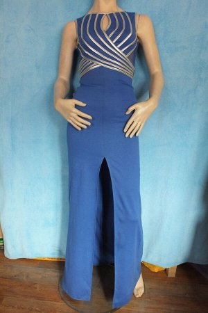 Платье Длина 140 см, ОГ 80 см, ОТ 60 см, 88 см. Имеет небольшой складской запах, при стирке уходит