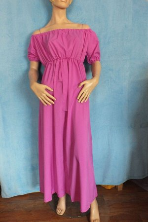 Платье Рукава 22 см, Длина 121 см, ОГ 94 см, ОТ 77 см. Имеет небольшой складской запах, при стирке уходит