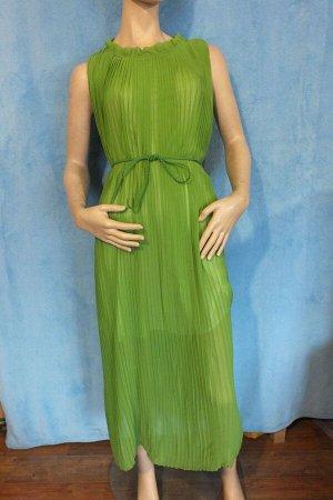 Платье Длина 124 см, ОГ 88 см.  Имеет небольшой складской запах, при стирке уходит