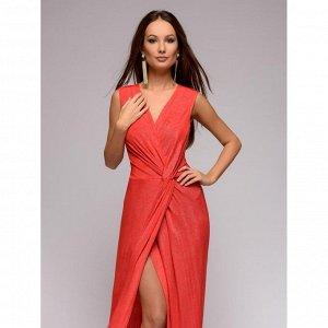 Платье красное с люрексом длины макси с драпировкой