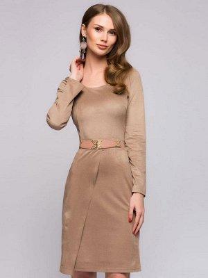 Бежевое платье с асимметричным подолом и длинными рукавами