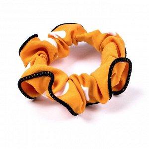 Резинка ЦВЕТ: желтый,  Замеры модели* * рост указан приблизительно, ориентируйтесь на замеры *Размер: диаметр резинки 5 см. Мягкая резинка (скранч) с принтом в горох. Отлично фиксирует хвост, не дефо