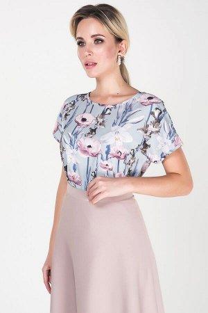"""Блузка Магнолия №1.Цвет:серо-голубой/цветы.Цвет:Блуза прямого силуэта из легкой ткани """"Ниагара"""" круглый вырез горловины. Цельнок"""