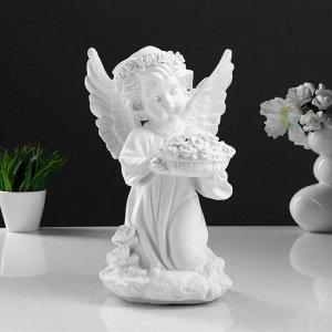 "Светящаяся фигура ""Ангел с чашей цветов"" 15х15х32см"