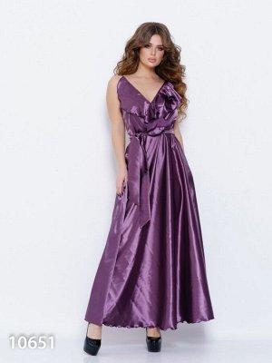 Сиреневое длинное платье с бретельками и воланами