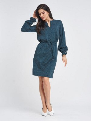 Зеленое приталенное платье в мелкий горошек