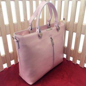 Классическая сумка Storyteller формата А4 из качественной натуральной кожи нежно-розового цвета.