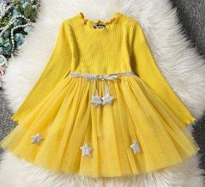 0394 (140 см)  Пышное желтое платье со звездами (маломерит)