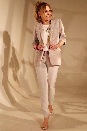 Жакет Жакет Golden Valley 3049 серый  Состав ткани: Вискоза-32%; ПЭ-65%; Спандекс-3%;  Рост: 170 см.  Жакет без воротника, с цельнокроеными отложными лацканами. Перед с талиевыми вытачками, прорезным