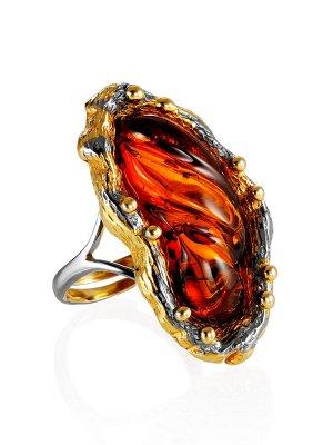 Оригинальное кольцо «Версаль» из золоченного серебра и коньячного янтаря, 010002391