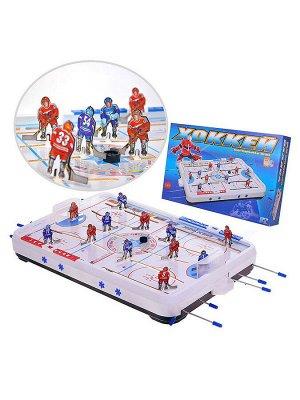 Хоккей • В наборе: - игровое поле, размер: 70 х 45 см. - фигурки хоккеистов (12 шт.) - фигурки вратарей (2 шт.) - ворота (2 шт.) - шайба (2 шт.) - липкая аппликация (2 шт.) • В процессе игры можно пер