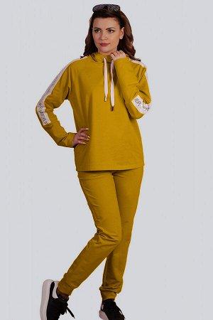 Желтый Главное преимущество спортивного костюма заключается в его удобстве. Абсолютно любая модель позволяет телу чувствовать себя комфортно и легко. Дизайнеры обратили внимание на то, что большая час