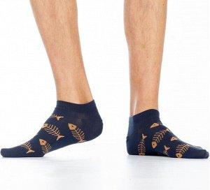 """Носки Хлопковые мужские носки с комфортной резинкой, укороченные. Вся модель декорирована контрастным рисунком """"скелеты рыбок"""".  Состав: Хлопок 81%, Полиамид 11%, Полипропилен 6%, Эластан 2%"""