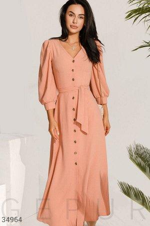 Утонченное персиковое платье
